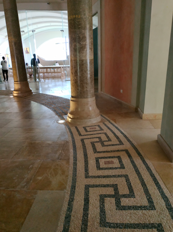 Fig. 2. Women's Atrium at the modern prayer house Duc In Altum. Note the modern mosaic floor that reproduces elements from the Magdala synagogue mosaic. Photograph by the author, 2018.