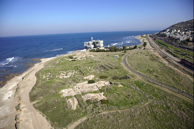 Tel Shikmona on the shores of Haifa, Israel. An aerial photograph, looking north (photo: M. Eisenberg).